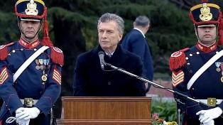 """Macri instó a """"dejar atrás el pasado y mirar el futuro"""", en el acto por el Día del Ejército"""