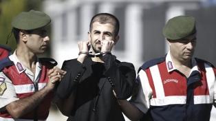 La Justicia condena a 17 oficiales a 141 cadenas perpetuas por el golpe fallido