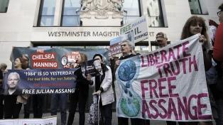 Assange cumple 48 años y en varias ciudades del mundo reclaman su libertad