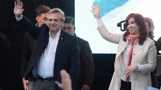 Alberto Fernández y Cristina Kirchner, juntos en un acto de cierre de campaña en Rosario