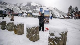 Las intensas nevadas dejaron más de 21.000 usuarios sin luz en Bariloche y El Bolsón