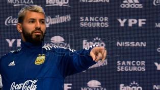 """Agüero: """"Quiero hacer lo mejor para que Messi pueda levantar la Copa"""""""