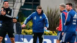 Scaloni juntó a Messi con Suárez en la práctica