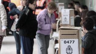Votaron los candidatos correntinos y se esperan tendencias para las 22, dijo Valdés