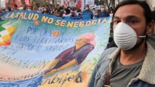 """Denunciaron """"envenenamiento"""" por uso de agrotóxicos en la Marcha de los barbijos"""
