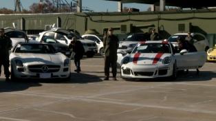 Decomisaron 38 autos de alta gama, de colección y embarcaciones de lujo