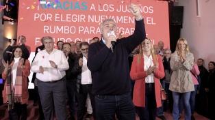 """Gerardo Morales pidió """"bajar un poquito las banderas partidarias"""""""