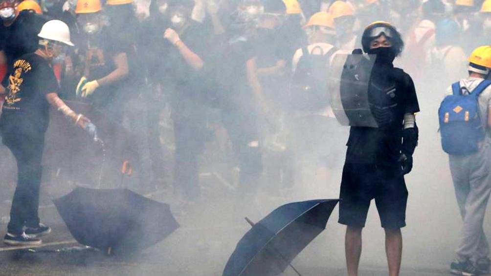Siguen las protestas y la represión en Hong Kong