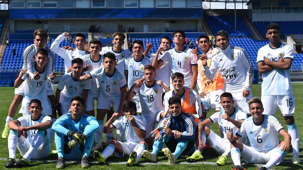 Argentina busca el pase a cuartos de final ante Paraguay