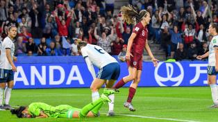 Argentina perdió ante Inglaterra en su segundo partido