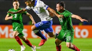 El local Brasil superó a Bolivia en el inicio del torneo