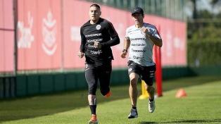 Nicolás Castillo, afuera para el debut ante Japón