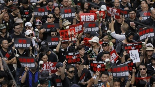 Más de un millón de personas volvieron a protestar en Hong Kong contra una ley de extradición