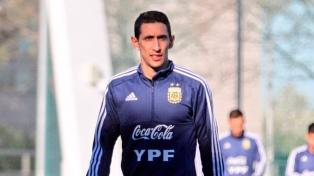 Di María se entrenó con los suplentes de cara al partido ante Paraguay
