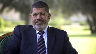 Enterraron al ex presidente Mursi tras morir durante un juicio en su contra