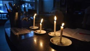 Más de 10 mil usuarios continúan sin electricidad en sus hogares en el AMBA