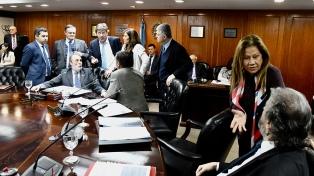 Tonelli rechazó el pedido de los senadores de apartar a Pichetto