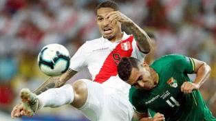 Perú jugó mejor el segundo tiempo y venció a Bolivia