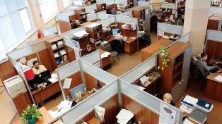 El trabajo registrado cayó 1,8% interanual en mayo