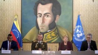 El gobierno de Maduro dijo a Bachelet que la crisis es culpa de las sanciones externas