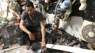 Las obras con materiales encontrados del artista Julio Hilger se presentan como un virus expandido
