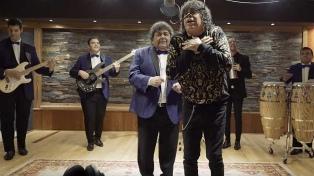 Los Palmeras presentaron su video junto a La Mona Jiménez