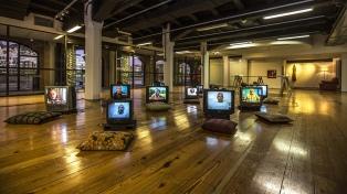 Pequeños relatos, cotidianos y contemporáneos, dan forma a una muestra en la Universidad Católica