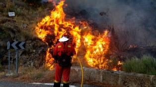 Hay dos muertos por la ola de calor y más de 12.000 hectáreas quemadas