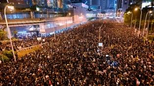 Miles de personas salen a las calles en una nueva jornada de protesta