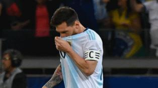 """El palo le dijo que """"no"""" a Messi"""