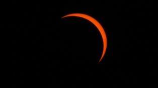 Una pareja de EEUU se casará en el eclipse solar 2020 en Río Negro, donde esperan 300.000 turistas