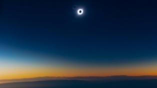 Cómo se vivió el eclipse de sol en distintos puntos del país