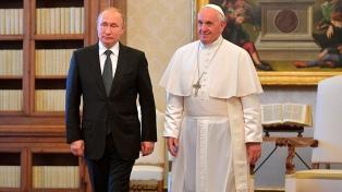 Francisco recibió a Putin con Ucrania, Siria y Venezuela en la agenda