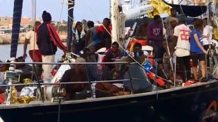 Confiscaron el barco de una ONG que desembarcó náufragos sin permiso