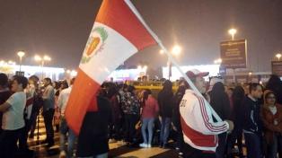 Perú fue ovacionado al llegar a Lima tras perder la final ante Brasil