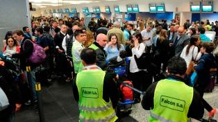 La cámara de compañías aéreas repudió los paros gremiales