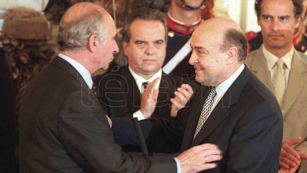 En medio de la crisis de la convertibilidad designó a Cavallo como ministro de Economía.