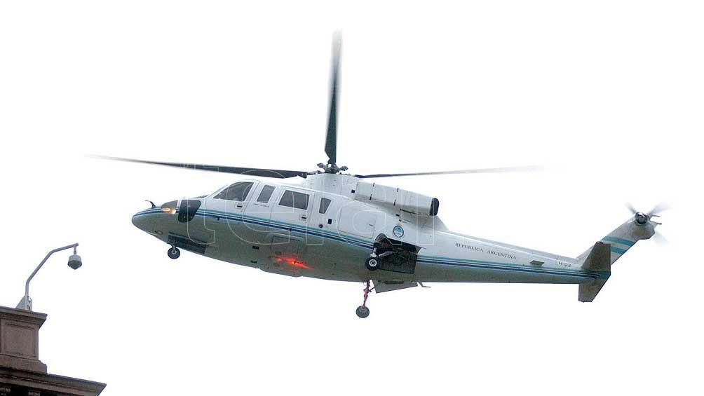 El 20 de diciembre de 2001 De la Rúa renunció y abandonó la Casa de Gobierno en helicóptero.