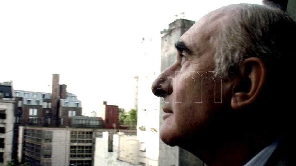 """De la Rúa llegó a la presidencia tras 10 años de menemismo con el recordado spot """"dicen que soy aburrido""""."""