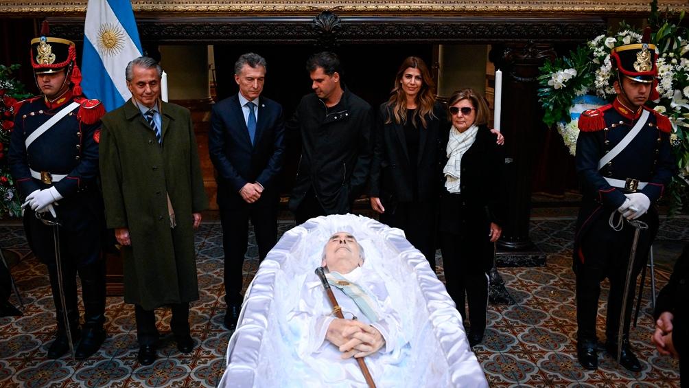 Macri se retiró sin hacer declaraciones.