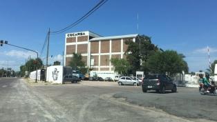 Dos heridos de bala por la interna gremial en el Frigorífico Cocarsa