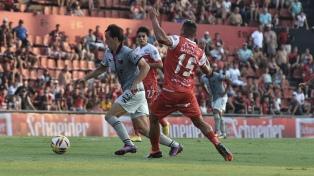 Colón recibe a Argentinos en la ida por los octavos de final