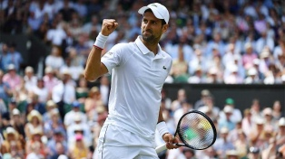 Djokovic superó a Bautista Agut y está en la final de Wimbledon
