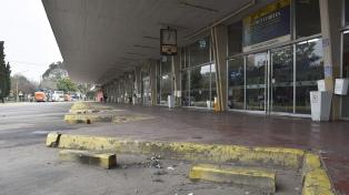 Se cumple el paro de colectivos en el interior del país dispuesto por la UTA