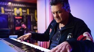 """""""Soy un pobre infeliz que toca el piano como los dioses"""", dijo el """"pianista de la calle"""""""