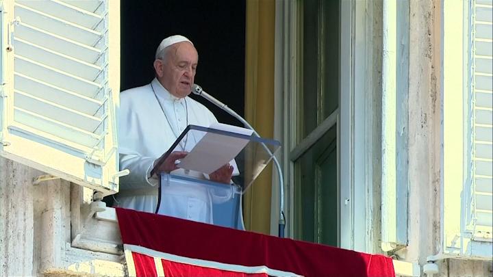 En su última homilía del año, Francisco lamentó