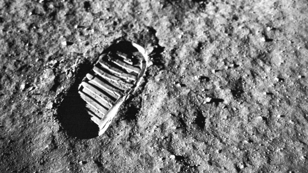 """20/7/1969. La huella de Armstrong, """"un pequeño paso para el hombre, un gran salto para la Humanidad""""."""