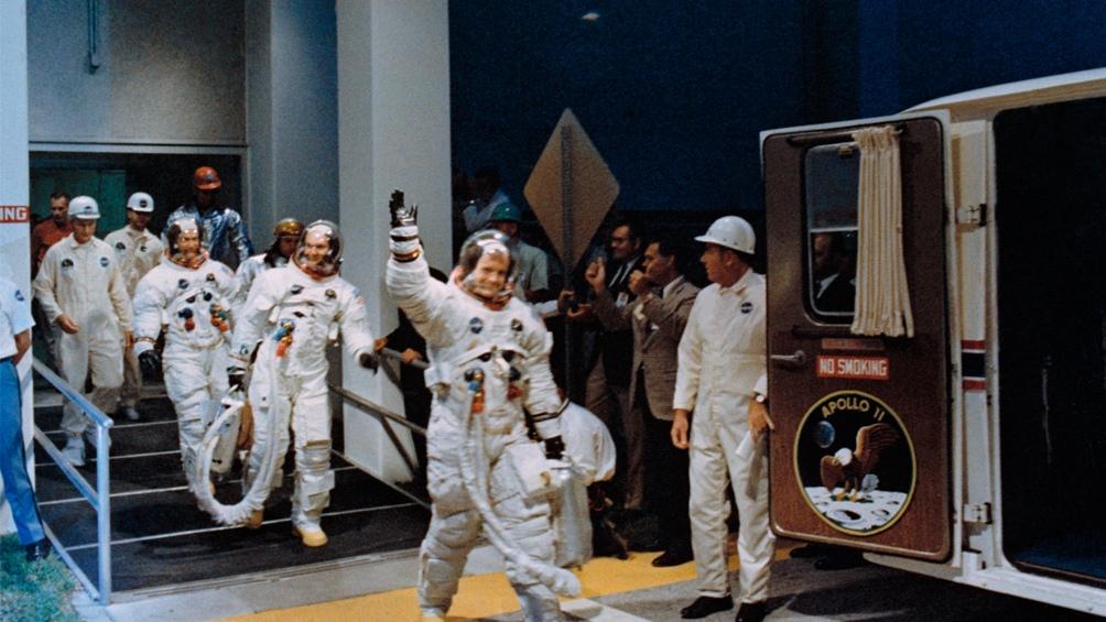 16/7/1969. Los tres astronautas, a punto de subir al Saturno V. Momento de alta tensión.