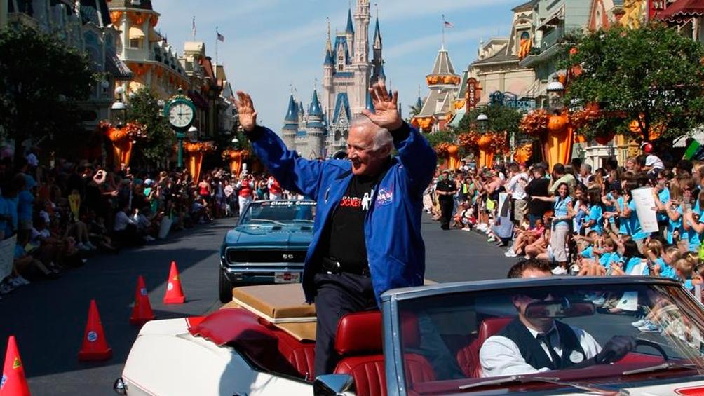 2/10/2009. Buzz Aldrin fue el astronauta que mantuvo el perfil más alto. Aquí, en un homenaje en Disneyworld.