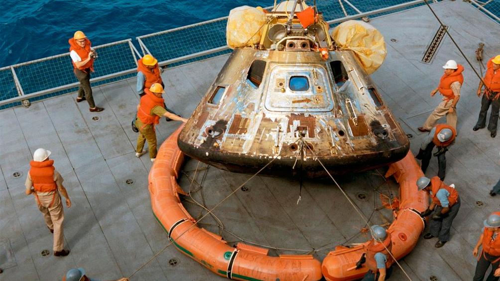24/7/1969. Apolo 11 ya está en la cubierta del USS Hornet, el barco de rescate.